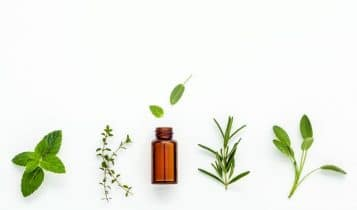Proven Essential Oils for Nail Fungus (+ How to Use Guidelines)